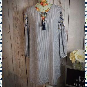 Old Navy Blue Flowered Dress XL